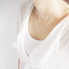 """dia bar necklace in silver """"Simplicity is the ultimate sophistication"""""""