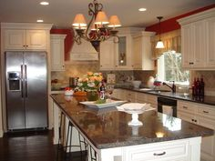 When it comes to kitchen remodeling, we often associate kitchen remodeling with homeowners. This is because as a homeowner, you have the right to decide whether or not you want your kitchen to be remodeled.