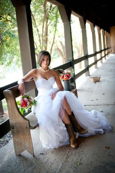 wedding cowboy boots for bride   bridal cowboy boots rustic wedding inspiraton 275x414 Rustic Fall ...