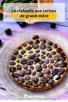 Did you know that true clafoutis is made with unpitted cherries? Pastry Recipes, Dessert Recipes, Bakers Sweets, Cherry Clafoutis, Look And Cook, Italian Pastries, Breakfast Pastries, Christmas Breakfast, Food And Drink