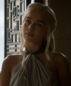 You are watching the movie Game of Thrones on Putlocker HD. Set on the fictional continents of Westeros and Essos, Game of Thrones has several plot lines and a large ensemble cast but centers on three primary story arcs. Emilia Clarke Daenerys Targaryen, Game Of Throne Daenerys, Emilia Clarke Hot, Emelia Clarke, Daenarys Targaryen, Clarke Game Of Thrones, Mother Of Dragons, Khaleesi, Celebs