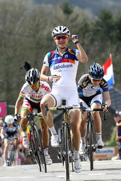 Marianne had time to celebrate her victory up the Mur De Huy