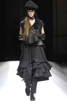 Yohji Yamamoto - Fall 2007 Ready-to-Wear