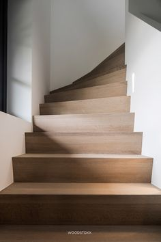 Showroom Design, Small Space Staircase, Stair Elevator, Hallway Inspiration, Interior And Exterior, Interior Design, Modern Boho, Future House, Townhouse