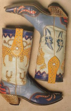 Women's Cowboy Boots : Vintage Nudie Cohen boots Vintage Nudie Cohen boots Sharing is caring, don't forget to share ! Moda Fashion, Fashion Shoes, Fashion Outfits, Dr Shoes, Me Too Shoes, Funky Shoes, Cute Shoes, Western Wear, Western Boots