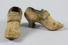 Shoes 1730's, Made of satin