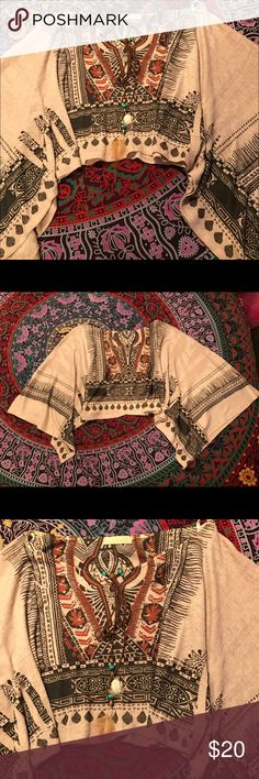 Boho crop top, bat wing sleeves Perfect for festival season! Super cute boho style crop top, never worn! Tops Crop Tops