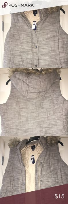 Old Navy Vest Brown Tweed color. NWT. Very warm but never worn. Old Navy Jackets & Coats Vests