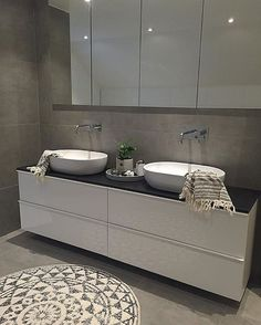 - Lilly is Love Toulouse, Berry Alloc, Hanging Canvas, Style Tile, Bathroom Organisation, Smart Home, Bathroom Inspiration, Double Vanity, Master Bathroom
