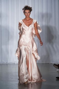 Zac Posen S/S 2014 | #runway #nyfw #zacposen #springsummer2014 #romantic #weddingdress #weddinggown #wedding