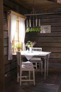 Swedish country kitchen, Dalarna The Effective Pictures We Offer You About home decor scandinavian i Scandinavian Cottage, Swedish Cottage, Swedish House, Scandinavian Interior Design, Cottage Style, Cottage Interiors, Country Kitchen, Table Furniture, Room Decor