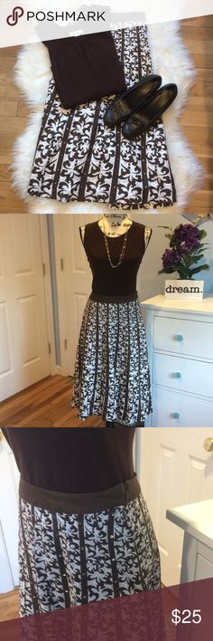 Dress Barn Long Pattern Skirt with Sequin Accents EUC Long, Fully Lined Skirt Dress Barn Woman's Size 14W Dress Barn Skirts A-Line or Full