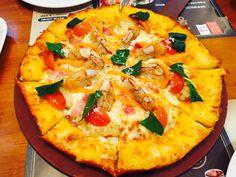 오랜만에 친구들만나서 피자먹었당! 미스터피자로열홍새우피자!!