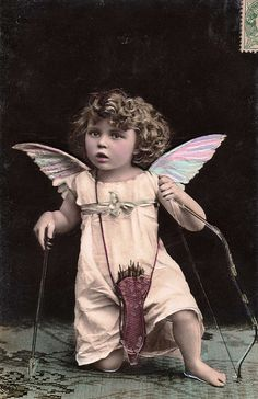 art freebies archives: Fairies Angels and fantasy creatures Images Vintage, Vintage Pictures, Old Pictures, Vintage Postcards, French Vintage, Old Photos, Vintage Suitcases, Antique Photos, Vintage Photographs