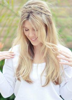 Peinado semirrecogido novias. www.bodascondetalle.blogspot.com
