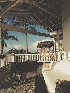 the-absolute-best-posts:  Beach House. Byron Bay   My lovely followers, please follow this blog immediately!
