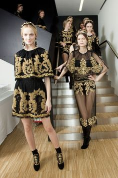 dioriche:  eleganter:  new f a s h i o n blog ⇝ message me if similar   black ✕ white
