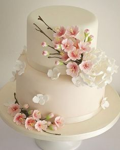 Perfect blossom adorned cake for a Spring wedding!