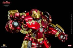 hulkbuster-toy-that-fits-in-an-iron-man-action-figure