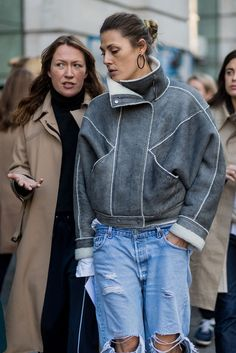 At New York Fashion Week, the style set braved blizzards and a snow-covered backdrop. But once we touched down in London, we were welcomed with significantly warmer temperatures and the sun making a rare February appearance. But just how did fashion editors, social media stars, and models fare with