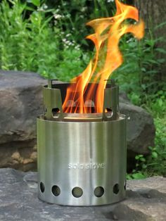 Solo Stove - Patented Wood Burning Backpacking Stove - Ultra Light Weight Compact Design Perfect for Backpacking, Camping, Survival, Hunting & Emergency Preparation. No Gas Canisters Needed. Solo Camping, Camping Tools, Camping Stove, Camping Gear, Camping Hacks, Outdoor Camping, Outdoor Stove, Party Outdoor, Outdoor Food