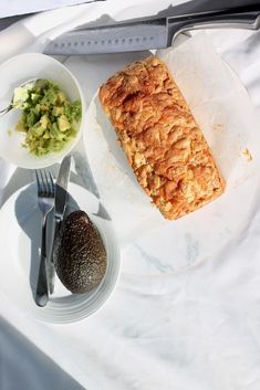 Tasty keto cheese and bacon bread is so easy to make, and is a perfect keto snack, breakfast on the go and is freezer friendly. One of the most easy Keto meals you can try! Bacon Bread Recipe, Keto Bread, Bread Recipes, Flour Recipes, Healthy Recipes, Low Carb Recipes, Whole30 Recipes, Healthy Food, Healthy Eating