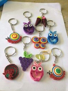 Craft ideas 8336 - Pandah - Quilling Deco Home Trends Quilling Keychains, Paper Quilling Earrings, Arte Quilling, Paper Quilling Cards, Paper Quilling Tutorial, Quilling Work, Paper Quilling Patterns, Quilling Paper Craft, Quilling Ideas