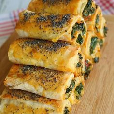 Knuspriger Spinatkuchen – Gebäck, The Effective Pictures We Offer You About Italian Recipes for kids A quality picture can tell you many things. You can find the most beautiful pictures that can be presented to you about simple Italian Recipes in this Egg Recipes, Seafood Recipes, Appetizer Recipes, Crockpot Recipes, Soup Recipes, Dessert Recipes, Meatloaf Recipes, Meatball Recipes, Spinach Health Benefits