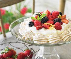 Lemon Pavlova    By the mid-1920s, Russian prima ballerina Anna Pavlova had become such a superstar that one ardent chef-admirer created the world's most airy dessert and named it after her.