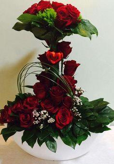 Church Flower Arrangements, Floral Arrangements, Papi, Ikebana, Floral Wreath, Bouquet, Crafting, Bloom, Valentines