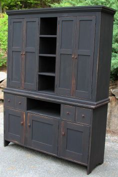 Primitive painted furniture...love, love, love!