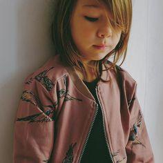 Little fashionista wearing mói jacket ❤️ image from: http://www.lojadada.com/en/
