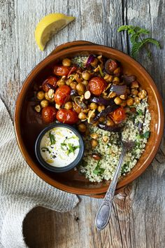 Bol marocain aux pois chiches, tomates cerises et amandes - K pour Katrine Clean Eating Recipes, Lunch Recipes, Vegetarian Recipes, Healthy Eating, Healthy Recipes, Food Bowl, A Food, No Salt Recipes, Chicken Recipes