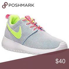 cb0120b05daa Girls  Grade School Nike Roshe One Casual Shoes