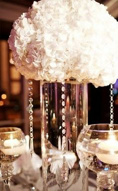 Simple hydrangea crystal centerpieces use crystal and pearl necklaces Pearl Centerpiece, Crystal Centerpieces, Flower Centerpieces, Centerpiece Ideas, Elegant Centerpieces, Wedding Centerpieces, Next Wedding, Dream Wedding, Wedding Stuff