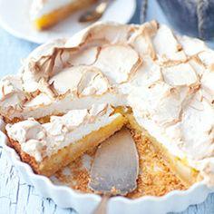 Apple & Orange Tart with Meringue Yummy Treats, Delicious Desserts, Sweet Treats, Yummy Food, Meringue, Eat Dessert First, Let Them Eat Cake, Pavlova, Love Food