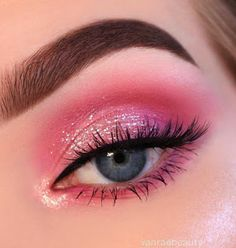 19 gorgeous eye makeup ideas - eyeshadow cut 19 wunderschöne Augen Make-up Ideen – Lidschatten Schnittfalte 19 beautiful eye makeup ideas – eyeshadow cut lines up … – Beauty – - Pink Eye Makeup, Makeup Eye Looks, Beautiful Eye Makeup, Eye Makeup Art, Colorful Eye Makeup, Makeup For Green Eyes, Smokey Eye Makeup, Cute Makeup, Makeup Inspo