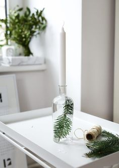A beautifully simple DIY Christmas candleholder
