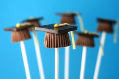 Easy Graduation Table Decoration Ideas | ... forget about the amazing Bakerella and her fun graduation cap pops