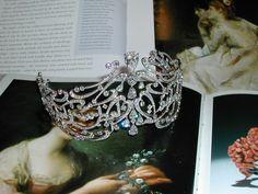 the Arabic Scroll tiara