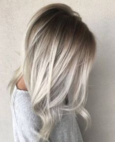 Looking to go blonde this summer? Check out the Best Blonde Hair Colors ideas Best Platinum Blonde Best Golden Blonde Best Ash Blonde Best Balayage Best Dirty Blonde Best Strawberry Blonde and more. Balayage Straight, Ash Blonde Balayage, Icy Blonde, Hair Color Balayage, Blonde Color, Hair Highlights, Golden Blonde, Blonde High, Bayalage