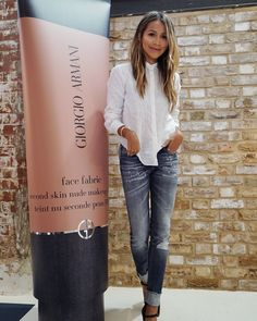 Spent a day in London to check out the new @armanibeauty Face Fabric foundation at their pop-up that makes you feel as if you're wearing your favorite pair of denim jeans- comfortable, relaxed and fit is perfect! The foundations mousse to powder texture gives you that second skin feel like your favorite pair of jeans! ❤️