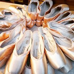 Pointe shoes #pointe #pointeshoes #ballet #bloch #blochpointeshoes #windowdisplay