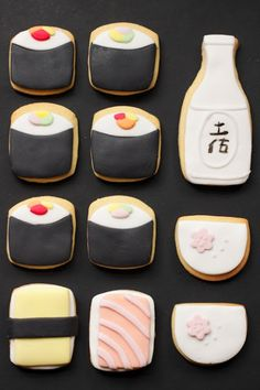 Sushi rolls and sake idecorated cookies / iced biscuits. Iced Cookies, Cute Cookies, Cookies Et Biscuits, Cupcake Cookies, Cupcakes, Sugar Cookies, Cute Food, Yummy Food, Lila Party