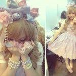 """Au matin, je me suis préparée pour me rendre à la Hyper Japan très tôt (oui arrivée à 9h, pour moi c'est tôt XD) car je faisais partie des modèles lolita choisies pour le défilé """"Tokyo Fashion Story"""". J'ai été prise pour le Sweet Lolita bien..."""