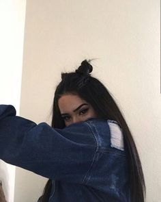 - My list of the most creative hairstyles Best Photo Poses, Girl Photo Poses, Girl Photography Poses, Tumblr Photography, Bad Girl Aesthetic, Aesthetic Photo, Tmblr Girl, Instagram Pose, Selfie Poses
