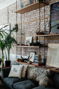 Dishevelled Chic Living Room with Brick Wall Decoration Ideas – Home Decor Ideas Industrial Interior Design, Scandinavian Interior Design, Scandinavian Living, Industrial House, Industrial Shelving, Rustic Industrial, Industrial Furniture, Contemporary Interior, Industrial Style Bedroom