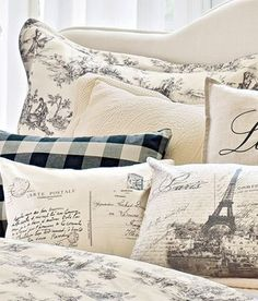Your favorite Country Curtains now at The Vermont Country Store - Lenoxdale Toile Pillow Sham French Country Bedrooms, French Country Living Room, French Country Farmhouse, French Cottage, French Country Style, Country Bathrooms, White Cottage, French Country Bedding, White Farmhouse
