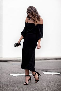 How to Dress Like Fashion Blogger Sara Donaldson—55 Outfit Ideas to Steal | Off-the-shoulder dress + heels /stylecaster/