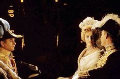 """Laurence Olivier & Marilyn Monroe in """"The Prince & The Showgirl"""" 1957"""